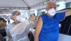 Manaus inicia vacinação de adultos entre 45 e 49 anos com doenças preexistentes