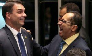Flávio Bolsonaro aciona Conselho de Ética contra o senador Jorge Kajuru