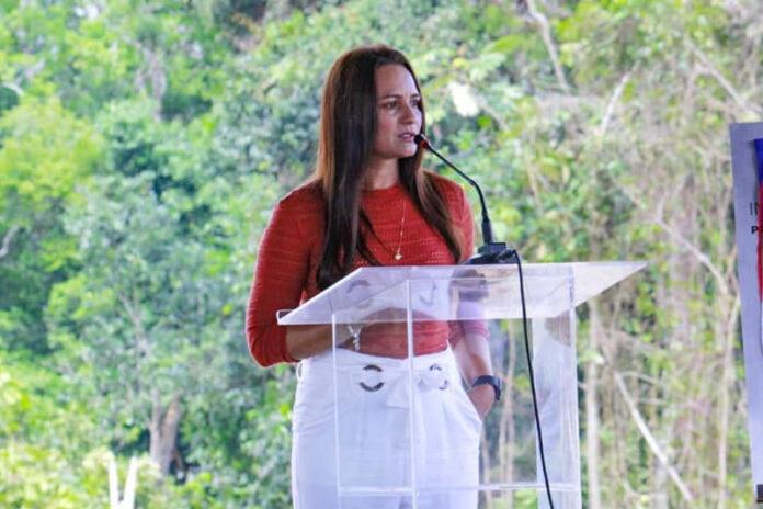 Prefeita de Itapiranga é denunciada ao MP por nepotismo