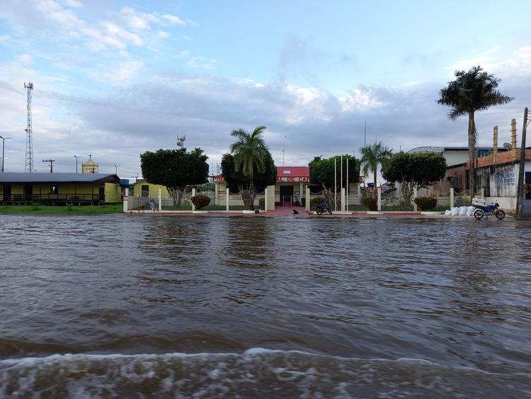 Municípios do Amazonas recebem 65 toneladas de alimentos nesta sexta