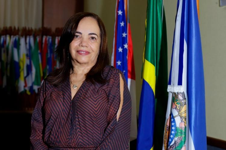 Vânia Marques Marinho toma posse como desembargadora do TJAM