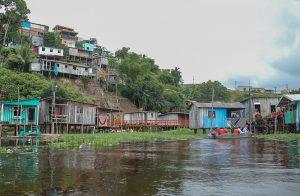 Com 29,64m nesta sexta-feira, Manaus já vive a 5ª maior cheia do rio Negro