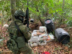 Casal é preso no Amazonas com mais de 800kg de drogas vindos da Colômbia